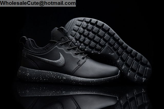 the latest d50fb a7bb9 Mens   Womens Nike Roshe Run Leather Black Running Shoes