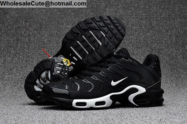 Air Max Plus TXT Black White