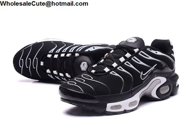 Nike Air Max Plus Black White