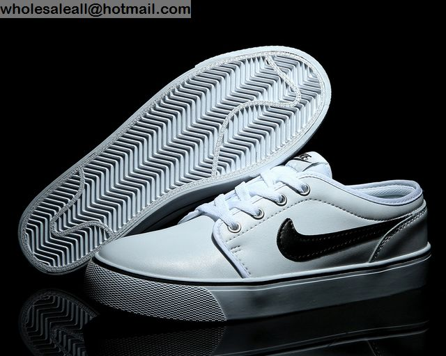 Nike Toki Leather