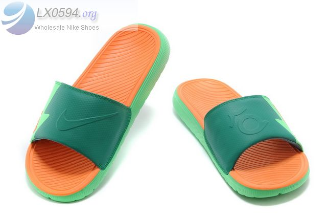 official photos 48d7f 2f7da The KD Solarsoft Men's Slide is designed with a grooved footbed and two  densities of foam for breathability and plush cushioning.The Nike KD Slides  ...